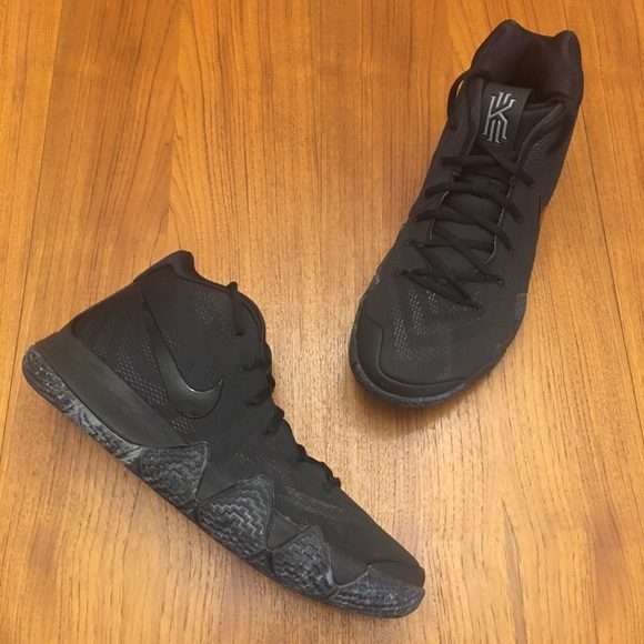 on sale a529f 9925b Kyrie 4 Blackout VGUC Size 13